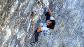 Sachi Amma give some advice to Chris Sharma on his route then climb Time machine 5.14c (8c+)