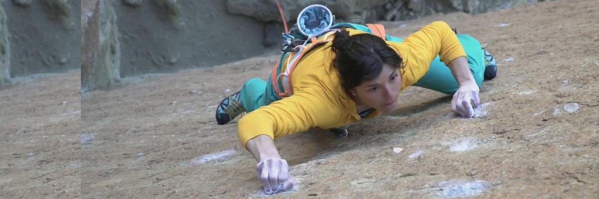Nina Caprez In Smith Rock : To Bolt Or Not To Be 5.14a